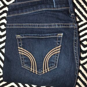 LIKE NEW Hollister Jeans size 5R - worn once